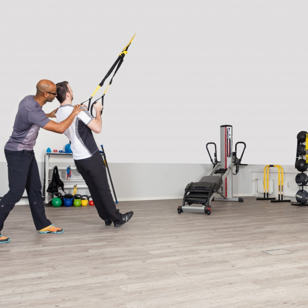 personal training physiotherapie altona hamburg studio abankwa. Black Bedroom Furniture Sets. Home Design Ideas